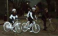 Volvo представила светящийся спрей на водной основе для велосипедистов
