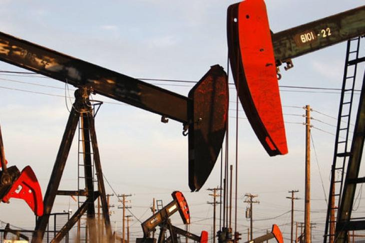 Нефть торгуется с небольшим  снижение