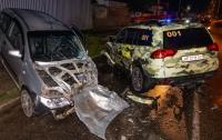 ДТП в Днепре: авто охраны разбилось в лобовом с джипом