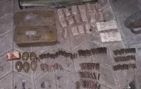 В Донецкой области военный украл из части РПГ, гранаты и 1600 патронов