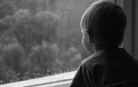 Пятилетний мальчик погиб, выпав из окна в Запорожской области