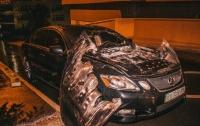 В Киеве во дворе взорвался Lexus