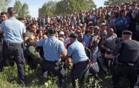 В Германии в палаточном лагере беженцев произошли столкновения, ранены 14 человек – СМИ