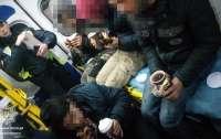 На Львовщине из рефрижератора освободили иностранцев, ехавших там около пяти суток