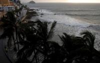 Власти Мексики эвакуировали 10 тыс. человек из-за урагана