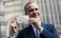 Банк Англии показал новую пластиковую 10-фунтовую купюру