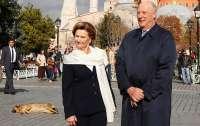 Король и королева Норвегии помещены на карантин