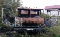 Неосторожное курение: в Киеве в машине сгорел человек