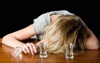Женщины спиваются быстрее мужчин, - ученые
