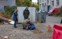 На территории школы в Киеве нашли труп мужчины (видео)