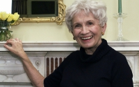 «Нобелевку» по литературе получила Элис Мунро