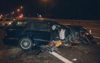 Жуткое ДТП под Киевом: BMW разорвало и выбросило