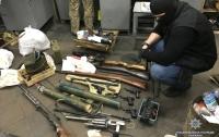 В Киеве задержали членов ОПГ со взрывчаткой и гранатометами (видео)
