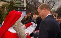 Во время визита в Финляндию принц Уильям встретился с Санта-Клаусом
