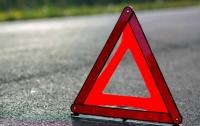 На Житомирщине легковушка врезалась в отбойник: пострадали трое иностранцев