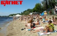 В столице открыли пять городских пляжей