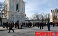 Министр не знает, кто будет служить в Софии на Пасху