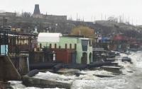 Стихия изуродовала мост оккупантов в Крыму (видео)
