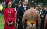 Кейт Миддлтон и принц Вильям в Новой Зеландии познакомились с голым воином маори
