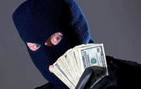 Пятеро злоумышленников ограбили фермера в Одесской области