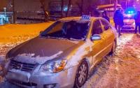 В Днепре дерзкий подросток с пистолетом и друзьями катался в такси (видео)