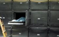 Спал как убитый: женщина по ошибке отправила в морг живого мужа