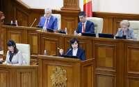 В Молдове приняли закон о статусе русского языка и разблокировали вещание российских каналов