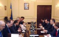 Европейцы призвали оппозицию сесть за стол переговоров с властью