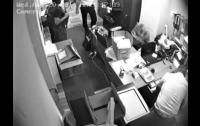 Ювелирный магазин отсудил 25 миллионов за то, что его ограбили во время обысков