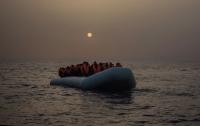 Чиновники сбежали в Грецию на надувной лодке