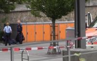 Немец с ножом напал на людей на вокзале, есть жертвы