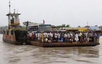 В Азии сотни людей пошли ко дну