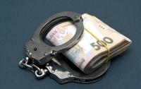 Ровенский чиновник требовал огромную взятку у местного бизнесмена