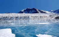 Подо льдами Антарктиды обнаружен неизвестный источник энергии
