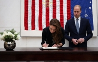 Уильям и Кейт в посольстве США выразили соболезнования жертвам стрельбы в Орландо