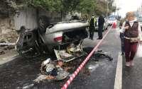 ДТП в Киеве: перевернулось авто и загорелось