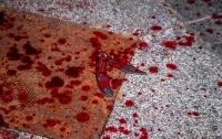 На Майдане в столице 18-летнему парню порезали лицо ножом