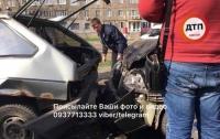 В Киеве столкнулись сразу три автомобиля