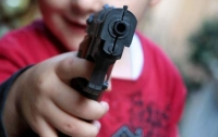 На Донбассе трехлетний малыш подстрелил сам себя