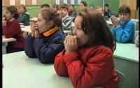 Директоров школ и заведующих детсадами обвиняют в том, что это они морозят детей
