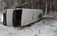 Перевернулась маршрутка с пассажирами (фото)