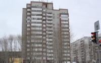 Житель Харькова погиб, выпрыгнув из окна 10-го этажа