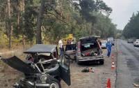 Жуткое ДТП под Харьковом: авто развалилось на части