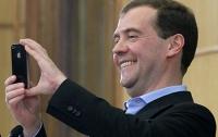 Медведев приказал снимать уничтожение санкционных продуктов на видео
