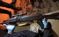 В Каховке вооруженный мужчина угрожал детективам ГБР