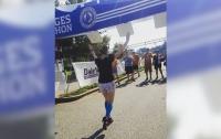 Танцовщица пробежала марафон на каблуках за рекордное время