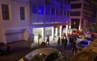 Под Афинами прогремел взрыв, повреждены здания и авто
