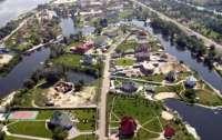 Несколько десятков чиновников покидают Конча-Заспу, - Данилов