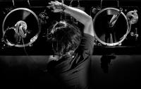 Современная музыка провоцирует пьянство и наркоманию