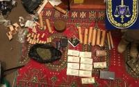 В Киеве задержали наркодилеров в погонах